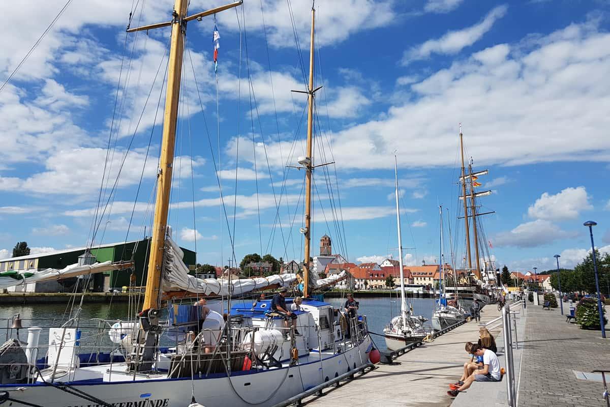 Der Hafen von Wolgast mit Blick auf das 100Haus